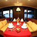Du thuyền Bhaya Vịnh Hạ Long