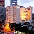 Khách sạn Duxton Saigon